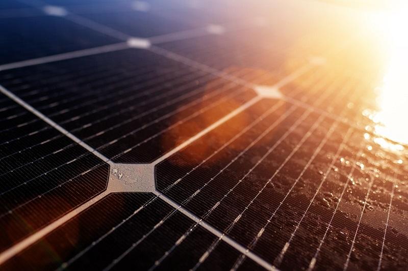Izkoriščanje sončne energije za tvorbo elektrike ima zagotovo veliko prednosti