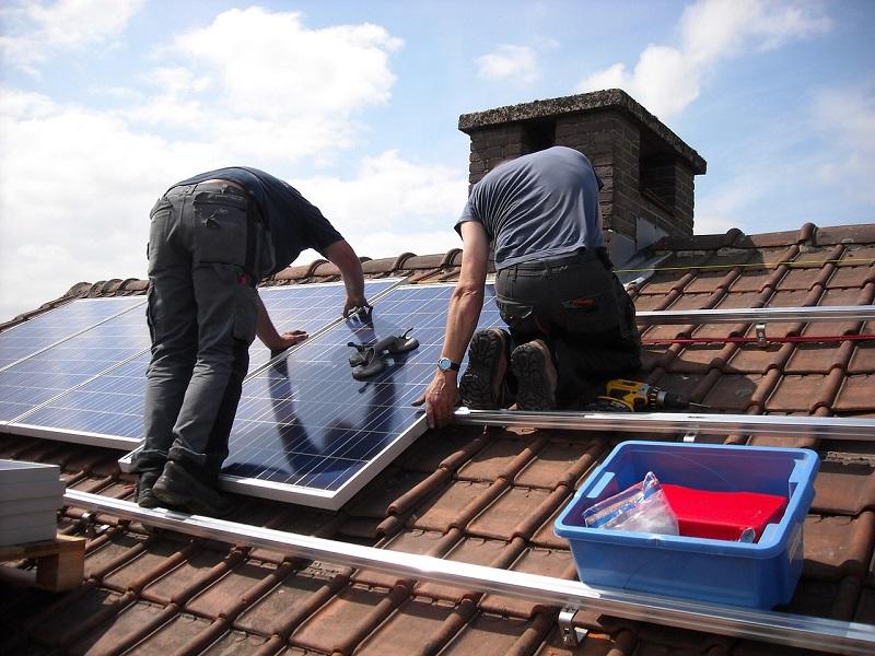 Sončna elektrarna je lahko sestavljena le iz enega panela oziroma modula, lahko pa sestoji iz več takšnih enot,