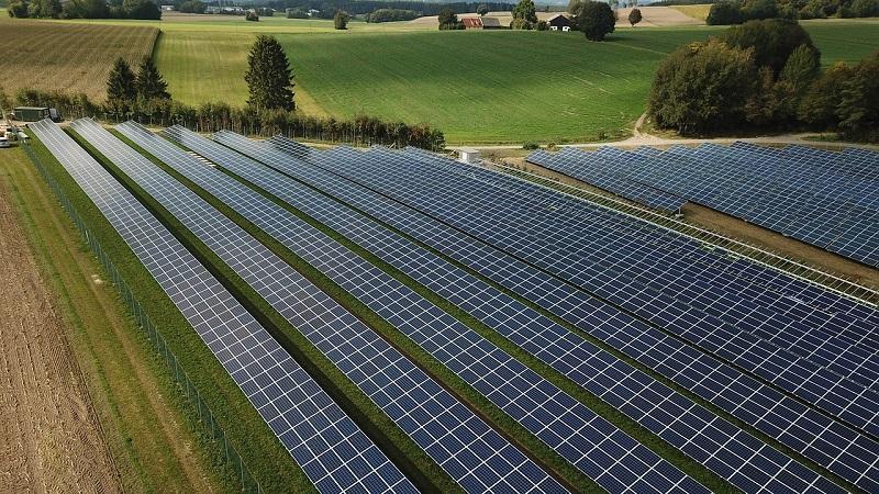 Sončna elektrarna je koristna za naše okolje, z njo pa lahko tudi zaslužimo
